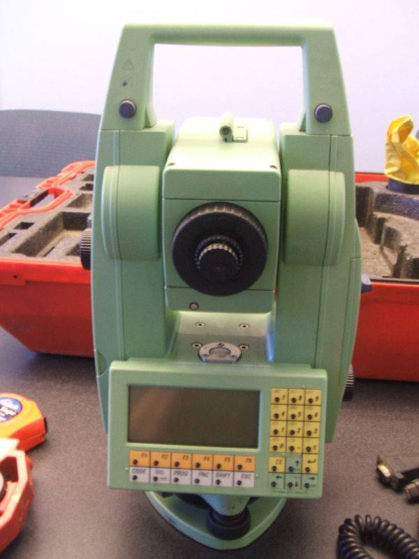 Leica Tcr1105 2002 Total Station Manufacturer  Supplier