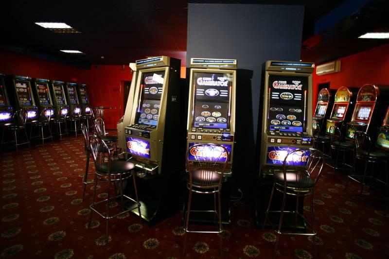 casino equipment manufacturers