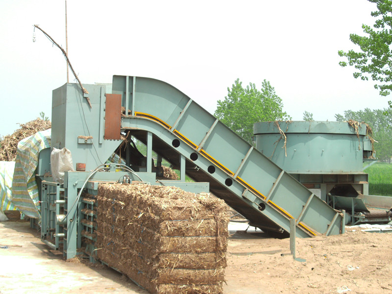 Automatic straw baler/agriculture