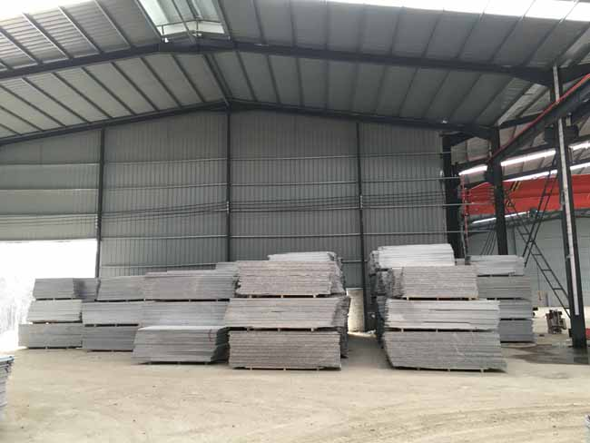 natural granite with Wholesale Price usd for walls and flooring decoration