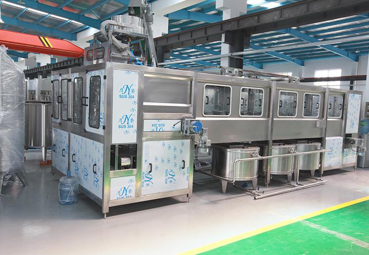 Automatic 5 Gallon Water Plastic Bottle Washing Filling And Cap Sealing Machine