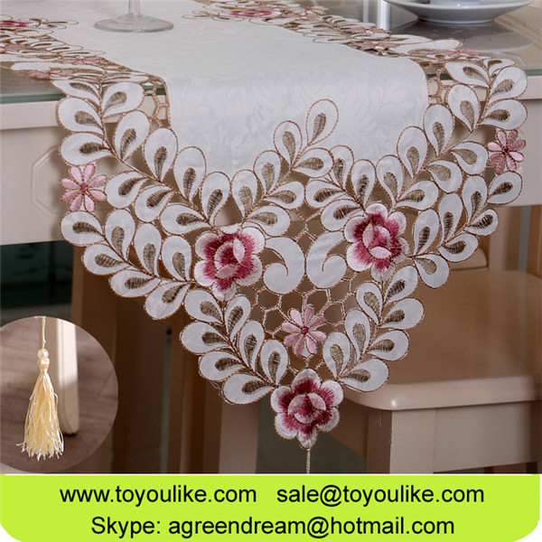 Elegant Handmade Cutwork Jacquard Embroidered Ornament Table Cloth Table Runners With Tassels