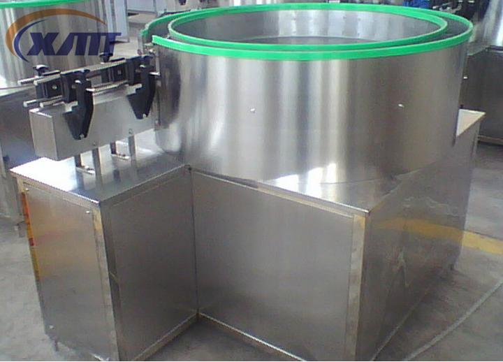Semi-automatic bottle unscrambler/bottle sorter