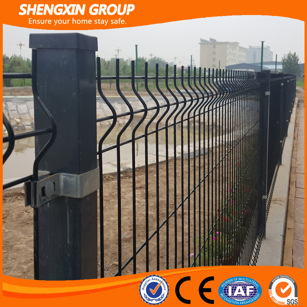 Nylofor 3D curved wire mesh fence for warehouse