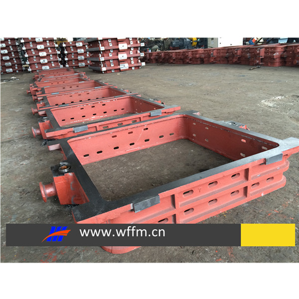 flask assembly for molding line