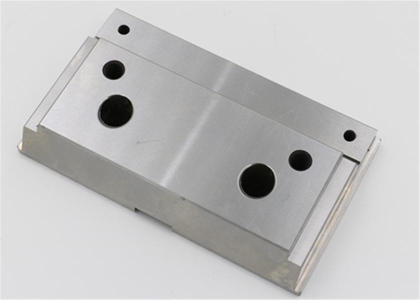 58-60 HRC Plastic Injection Molding Parts 0.002MM OEM Milling Process
