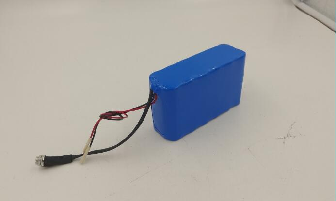 small rechargeable 2S li-ion lithium battery 7.4v 12A for portable device