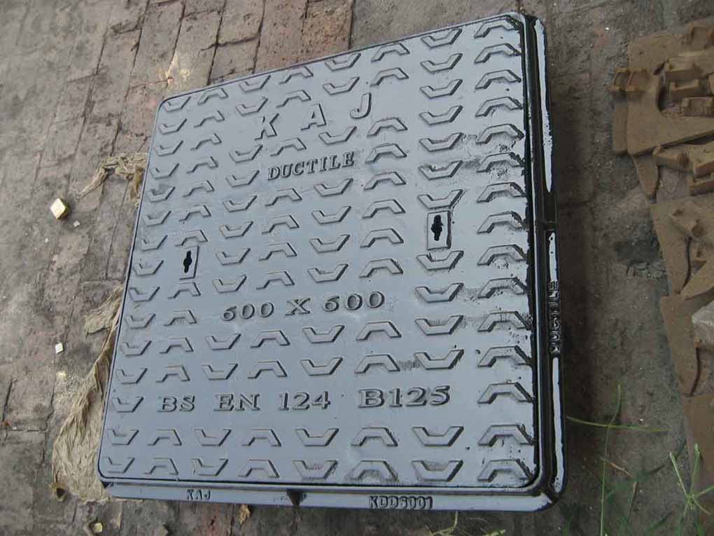 Manhole cover ,(ductile cast iron ) GGG50-B125