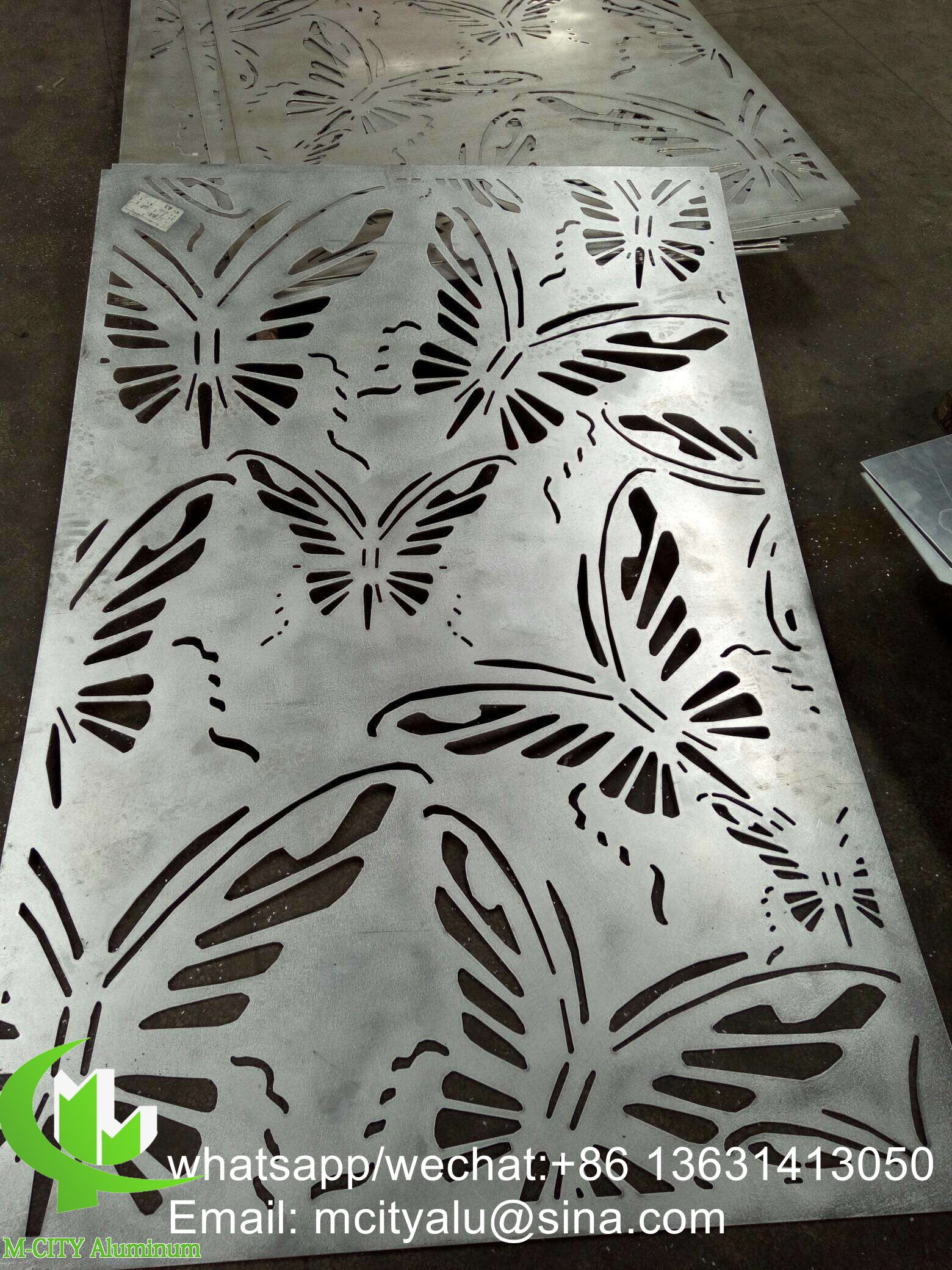 Butterfly aluminum metal screen panel with hollow design