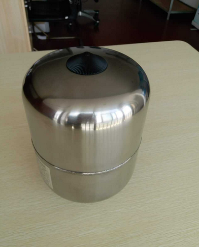 Vertical Stainless Steel Expansion Tank