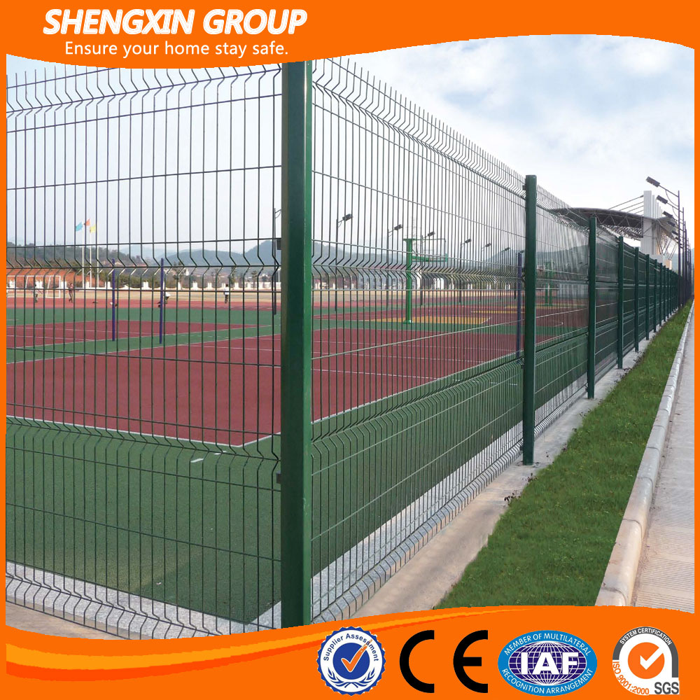 Football field Pvc Coated or Galvanized Wire Mesh Fencing