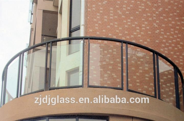 Laminated glass for handrail