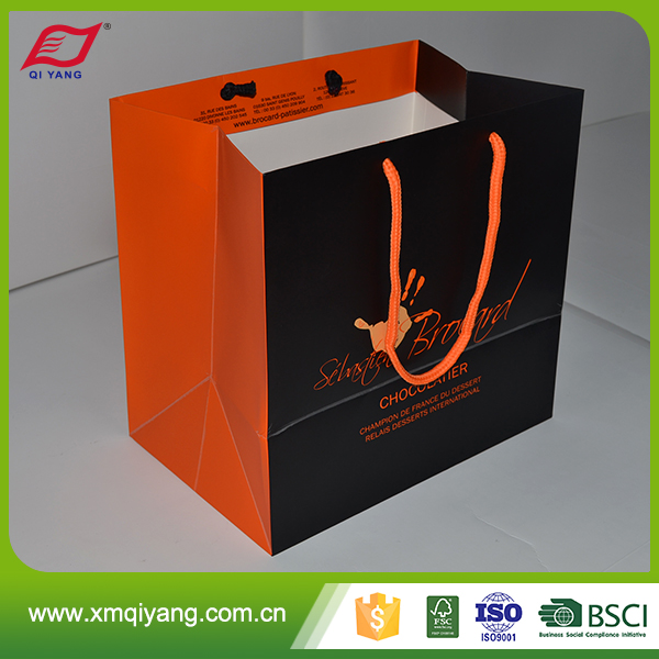 Low price oem design clothes paper shopping bag with logo print