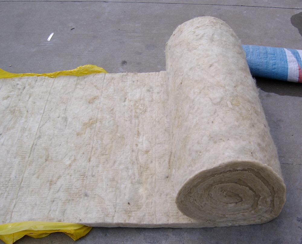 Thermal insulation fireproof basalt mineral rock wool roll/ felt/ blanket with wire mesh