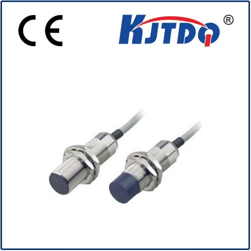 Long distance M12 inductive proximity sensor with PVC cable