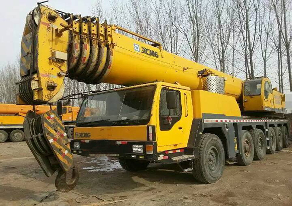 Secondhand 260 ton XCMG QAY260 truck mounted crane for sale, 260 ton 250 ton 200 ton truck cranes