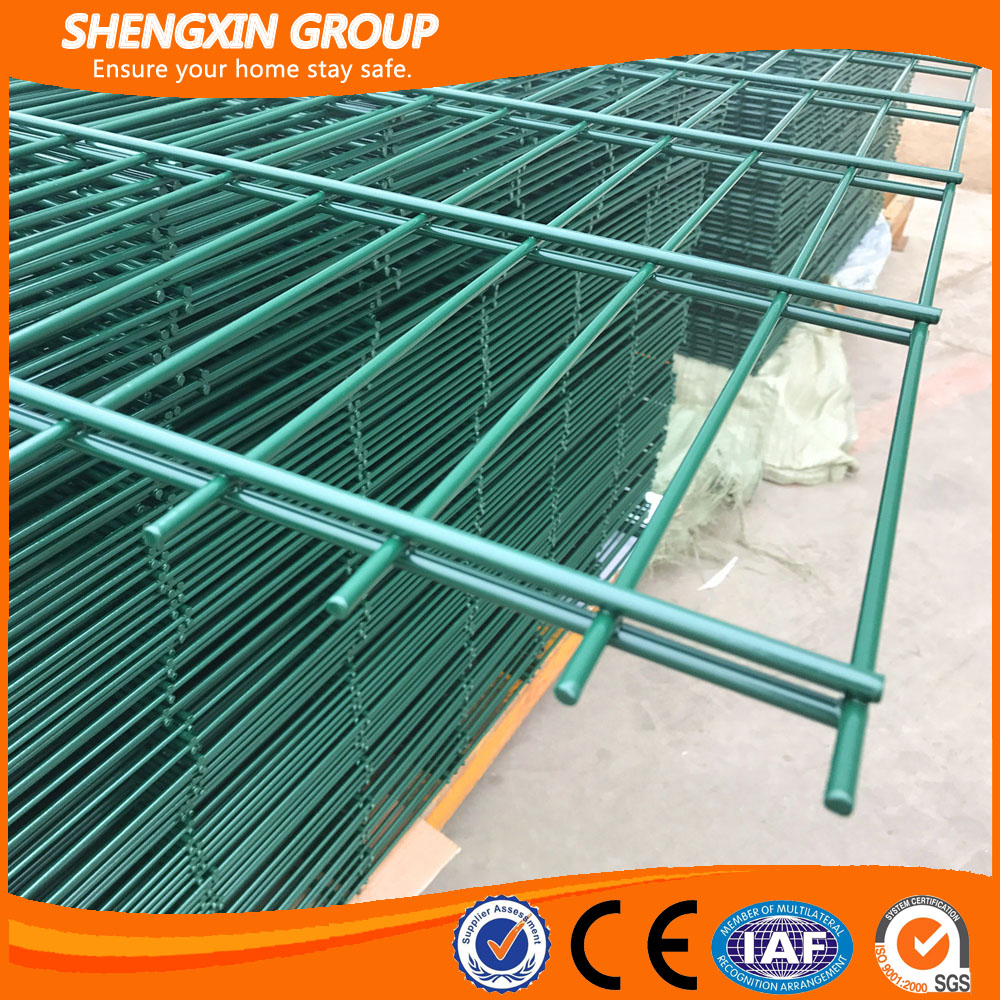 2017 China supplier powder coated welded 868 double wire fence