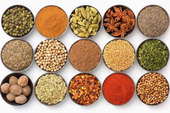 Turmeric Fingers/ Cassia & Cinnamon/Cloves Spices /Green Cardamom Seeds /Spices