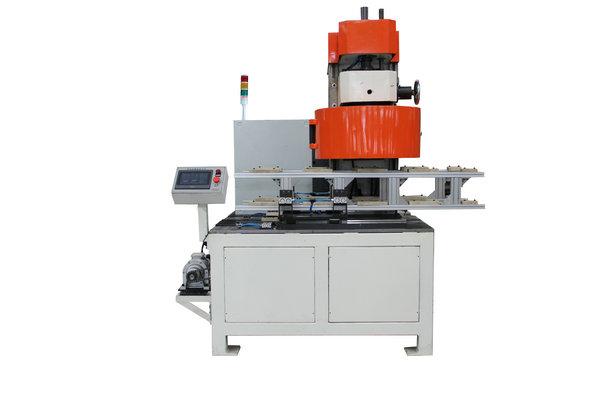 Automatic tin can sealing machine