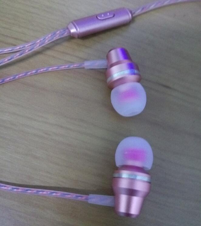 2017 best sellers metal earphone mobile-phone headphone in-ear earphone fashion pink headphone
