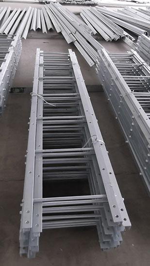 Hot dip galvanized welded steel ladder for telecommunication tower