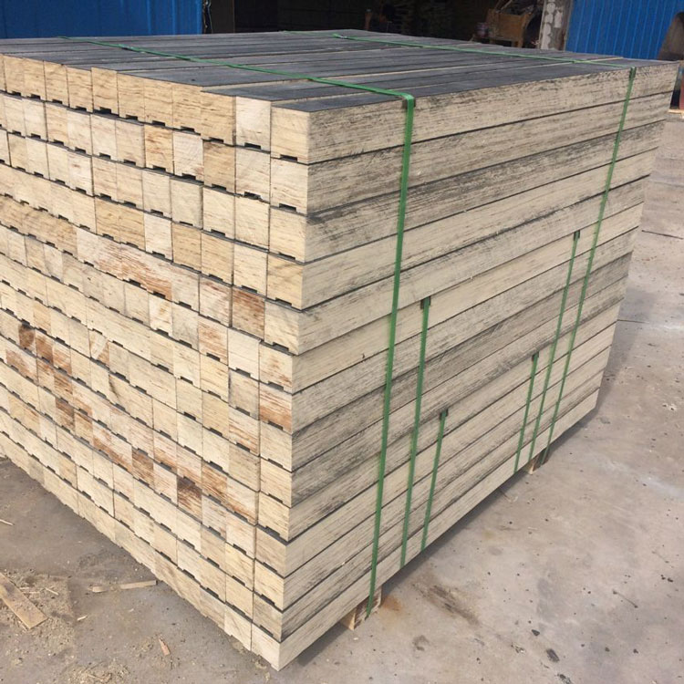 rubber faced LVL for packing steel