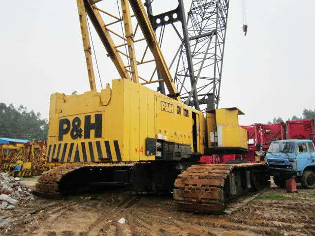 Japan original used crawler crane Kobelco 300 ton 50 150 ton 250 ton crawler crane for sale