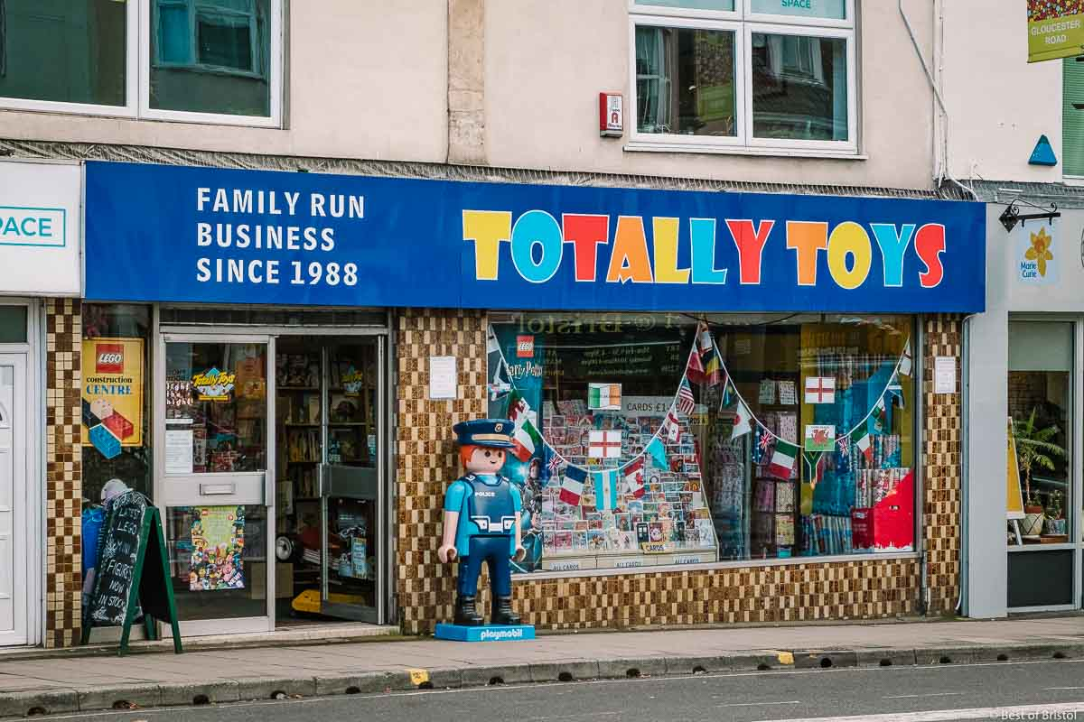 TOTALLY TOYS LIMITED logo