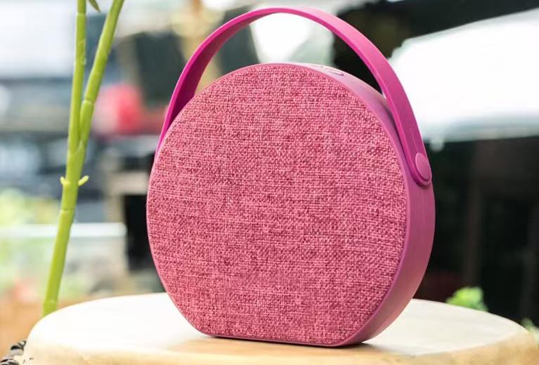 OKA bluetooth speaker with radio