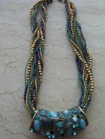MU-005 beaded necklace