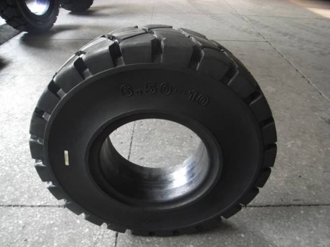 Forklift solid tyres 6.50-10