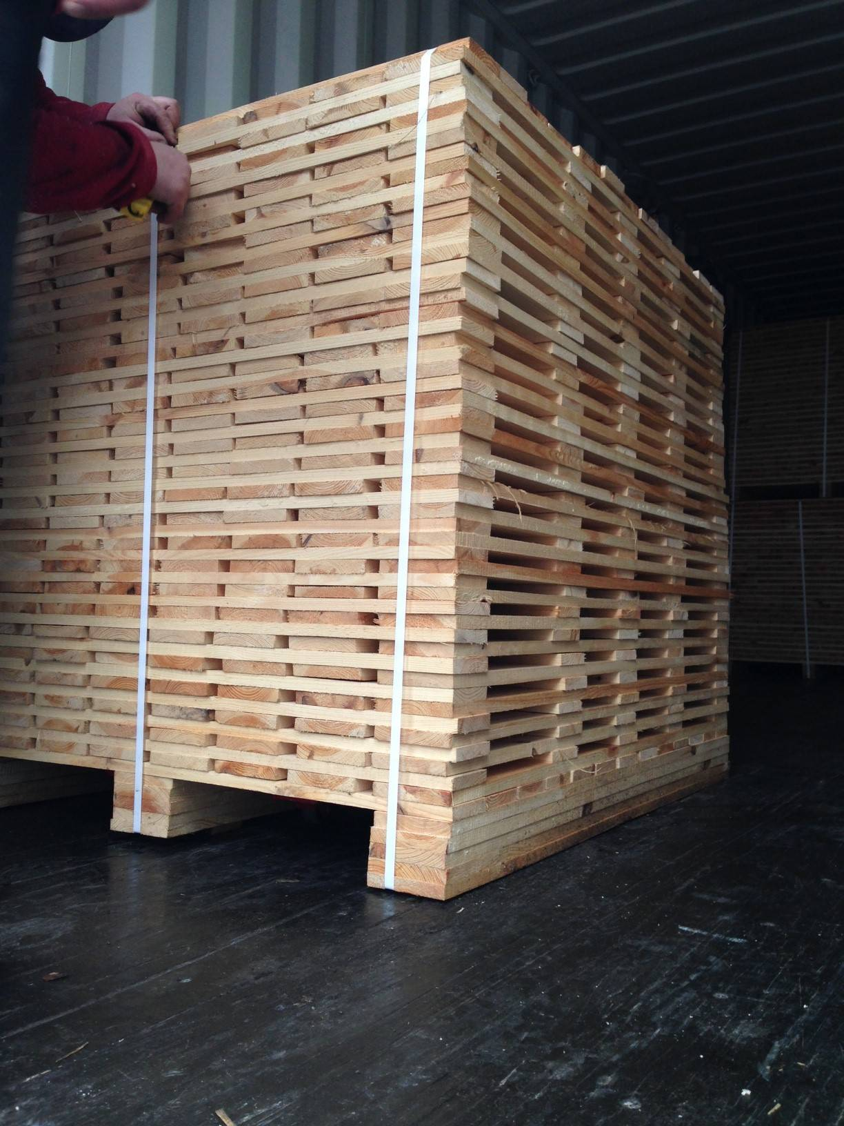 Boards for EU-pallets and any other boards.