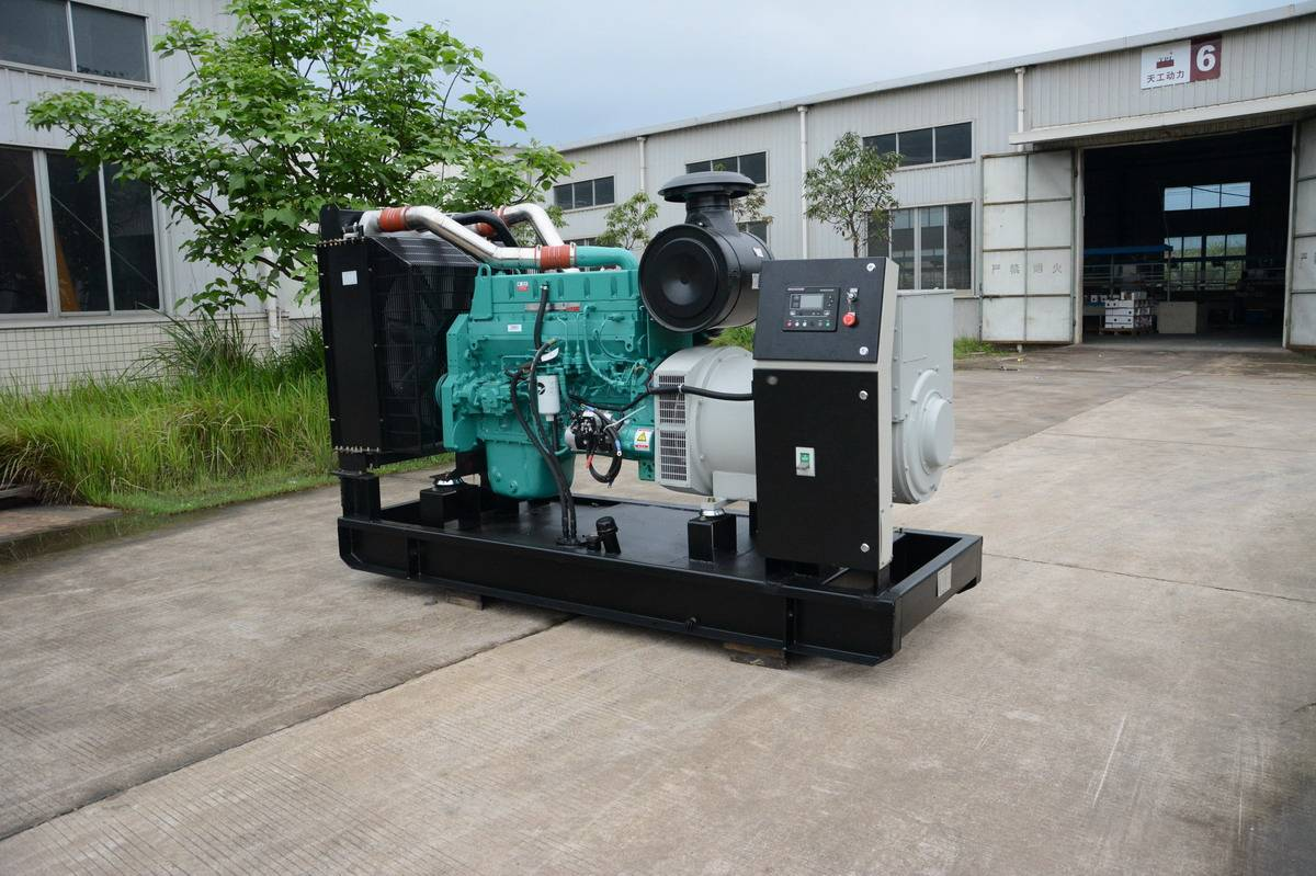 Deutz Diesel Generator with Three Phase, Stamford Alternator Brushless Type
