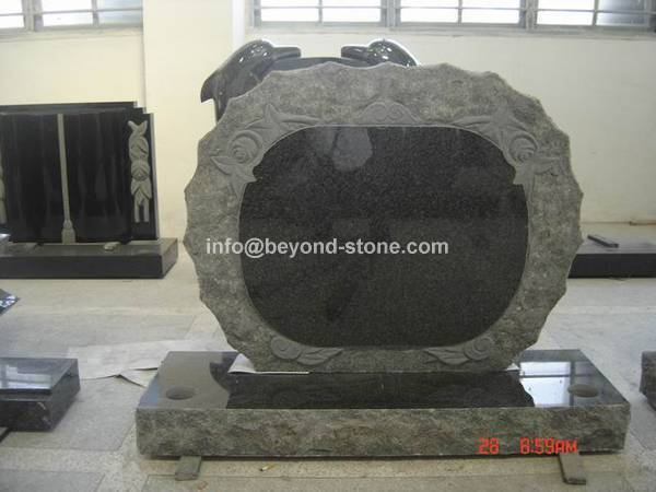 Offer Granite Monument with good price.