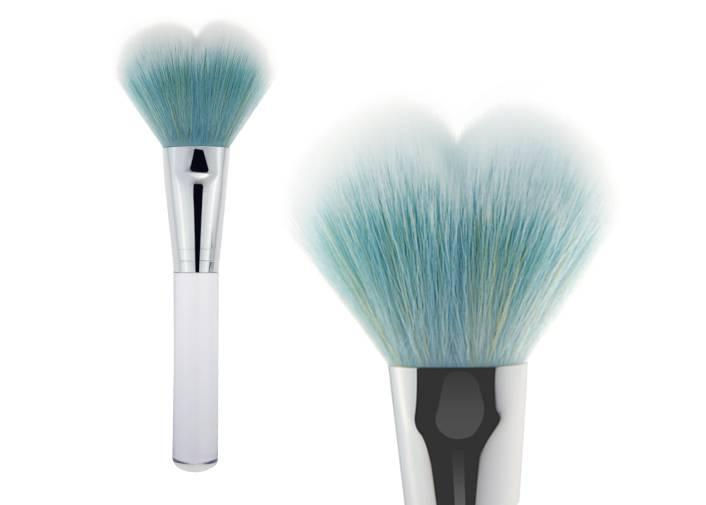 Contour Blush Makeup Brush Heart-shaped Nylon Hair Transparent Plastic Handle Brush