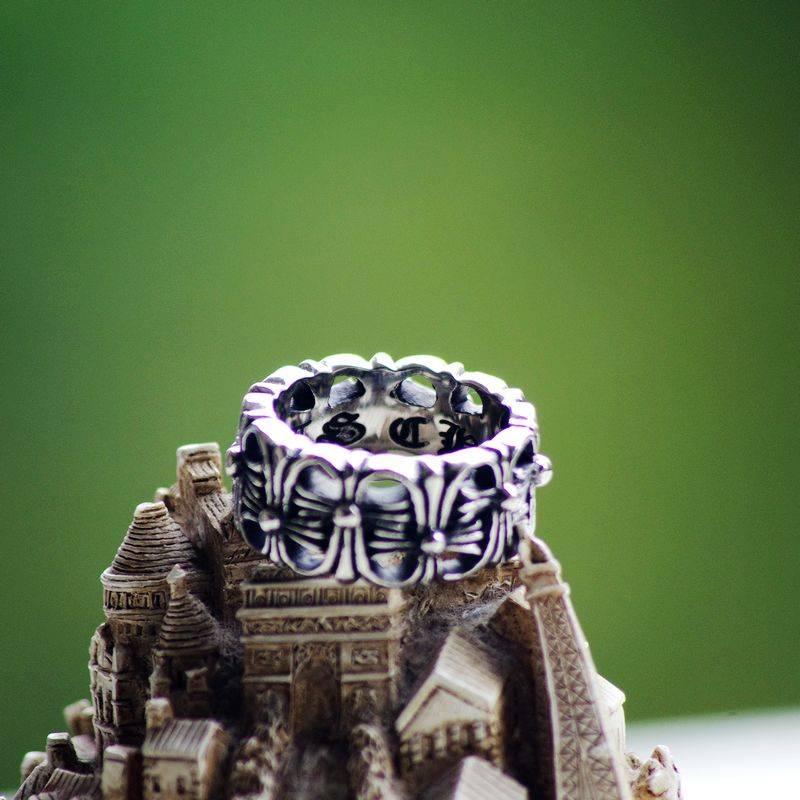 Hollow Double Cross Flower Men's Ring with Rime Letter inside