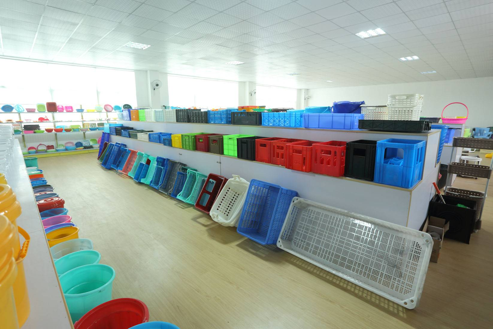 Sell plastic handle crate mould