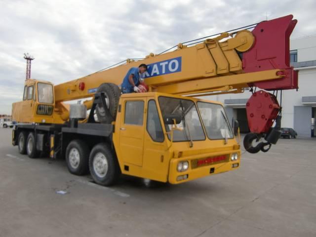 used NK550E KATO truck crane