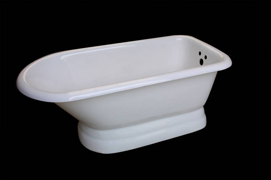 Free-standing cast iron bathtub