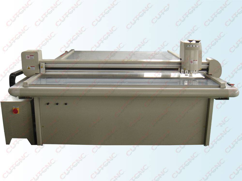 kraft paper cutting machine cut cardbard,grey board,pvc material,corrugated and KT advertising