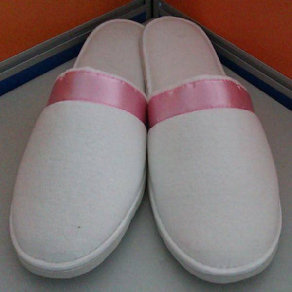 hotel slippers hotel amenities