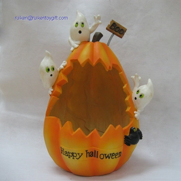 10 Inch Resin Pumpkin With Three Ghost