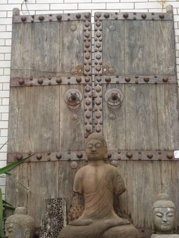 Eastcurio antique door