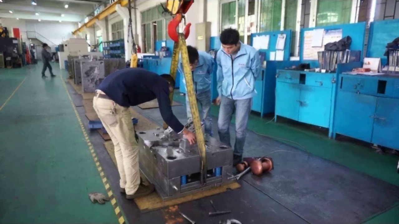 plastic injection mold makers in china