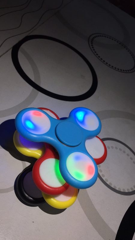 Popular LED hand spinner with 3 bars