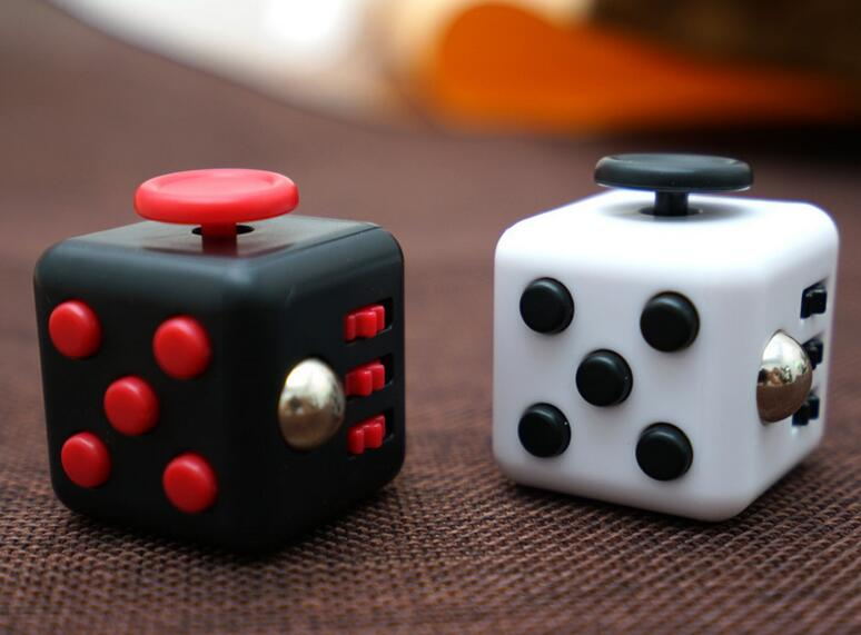 Factory Wholesale Adult Magic Fidget Cube Relieves Stress Toy Fidget Cube