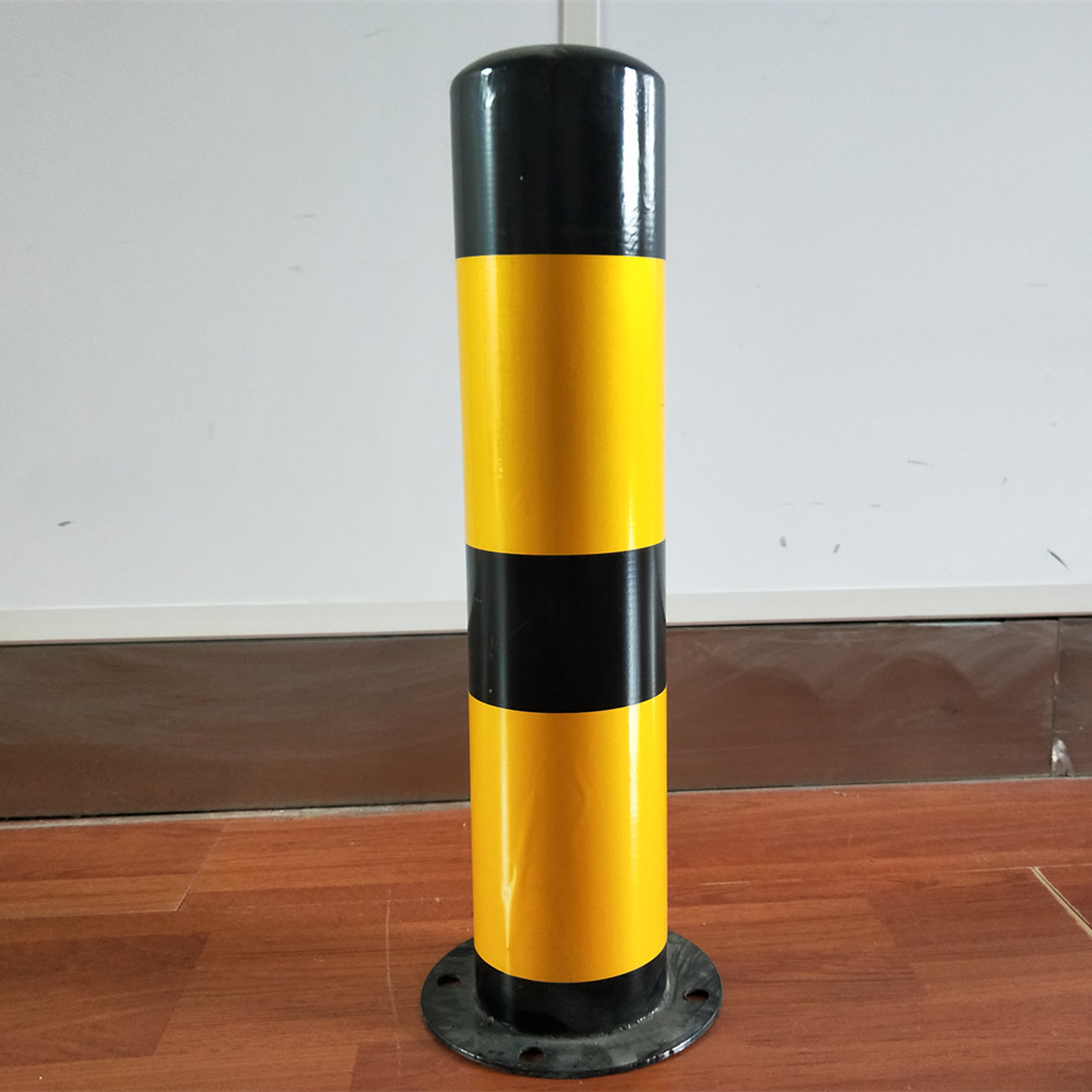 Steel warning column white and red guide traffic concrete bollard