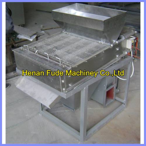 Cheapest Small type roasted peanut red skin peeling machine