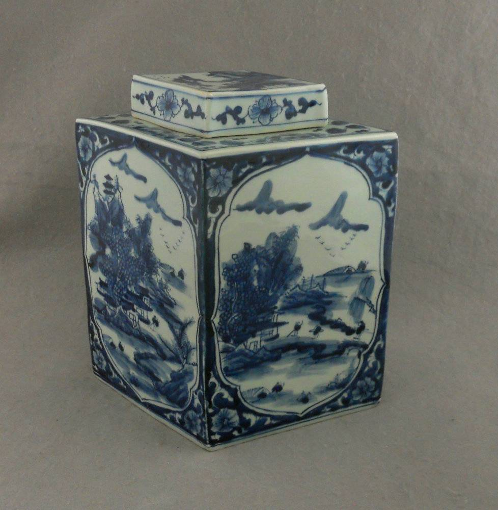 H12.5 INCH Jindezhen Porcelain Blue and White jars, Hand painted Qing dynasty reproduction