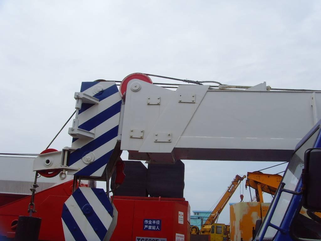 used Tadano 25T crane